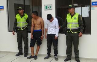 Policía Nacional capturó en flagrancia a dos presuntos delincuentes (2)