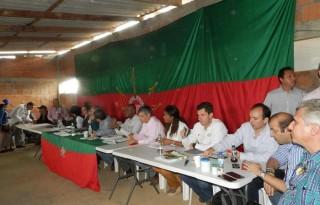 mesa de dialogo indigenas