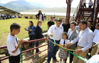 Comunidad Educativa de Silvia recibe con alegría ampliación de Aulas Escolares.1