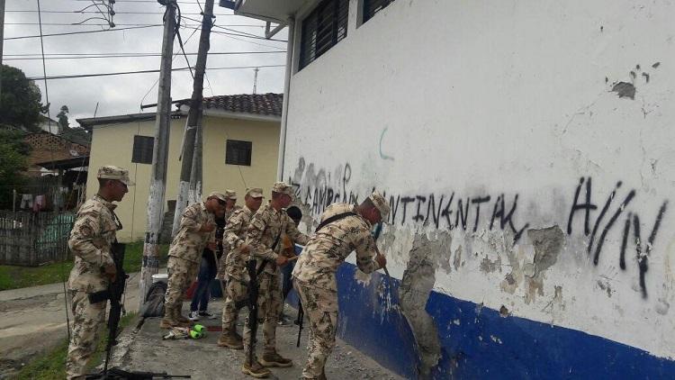 Fuerza de Tarea Apolo apoya Jornada de embellecimiento de muros en Caldono.