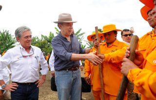 Ministro_Cardona_Presidente_Santos