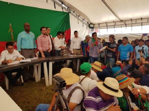 Firma decreto minga indígena Cauca