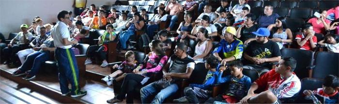 Escuela de Padres a Bicicrosistas en Timbío