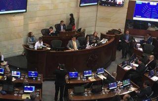 Foto Twitter Claudia López consulta anticorrupción congreso senado